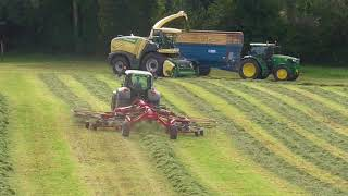 Silage 2017 Raking with Michael Barrett Contracting