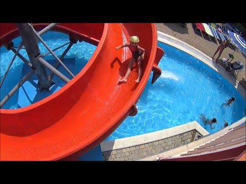 Аквапарк ЗОЛОТАЯ БУХТА в Геленджике. Саша в аквапарке