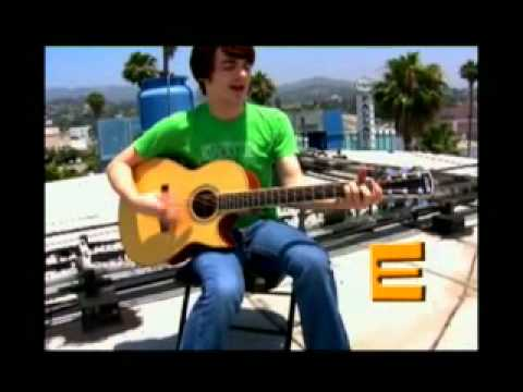 How to play Drake and Josh theme song On acoustic Guitar ...