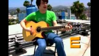 How to play Drake and Josh theme song On acoustic Guitar-Drake Bell.