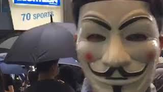 美国之音记者直击香港实施禁止蒙面法第二天