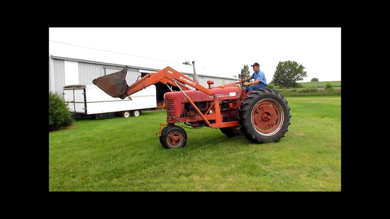 international harvester mccormick farmall 400 tractor sold at auction september 4 2013 [ 1280 x 720 Pixel ]