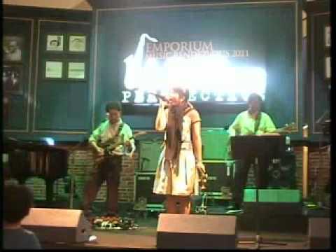 Sai Saivipa Olddoc & Friends Emporium Music Rendezvous 2011 Beautiful.mp4