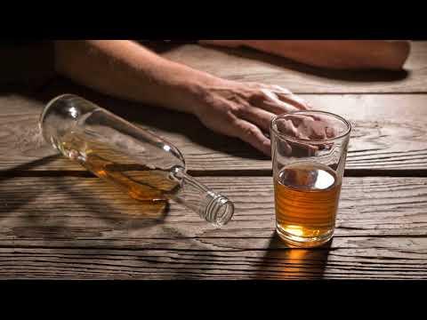 Как кодируют от алкоголизма уколом, вшиванием ампулы, гипнозом?