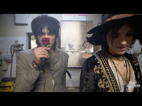 Palaye Royale: Royal Television (Season 01: Episode 15)
