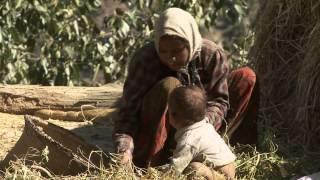 Repeat youtube video Geburt im Kuhstall - das harte Los der Frauen in Mugu