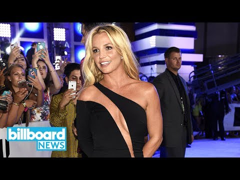Britney Spears Philippines Fans Break Into Sing-Along to 'Sometimes' Leaving Show | Billboard News
