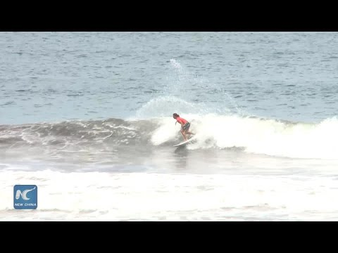 First day of World Surfing Games attracts thousands of spectators in Costa Rica