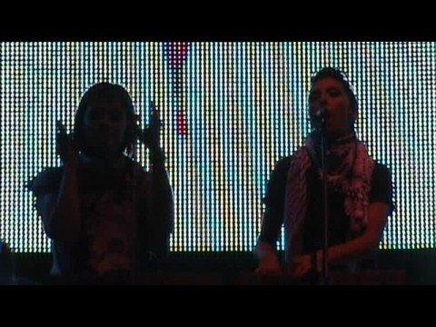 Marsheaux - Hanging On (live in Athens - Athens Digital Week - 18/10/2008) HQ