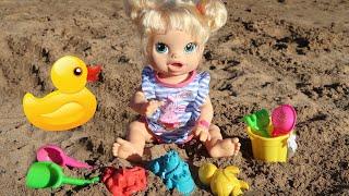 КАК МАМА и Нюша Играли в Песочек На Море Мультики для детеи 108мама тиви