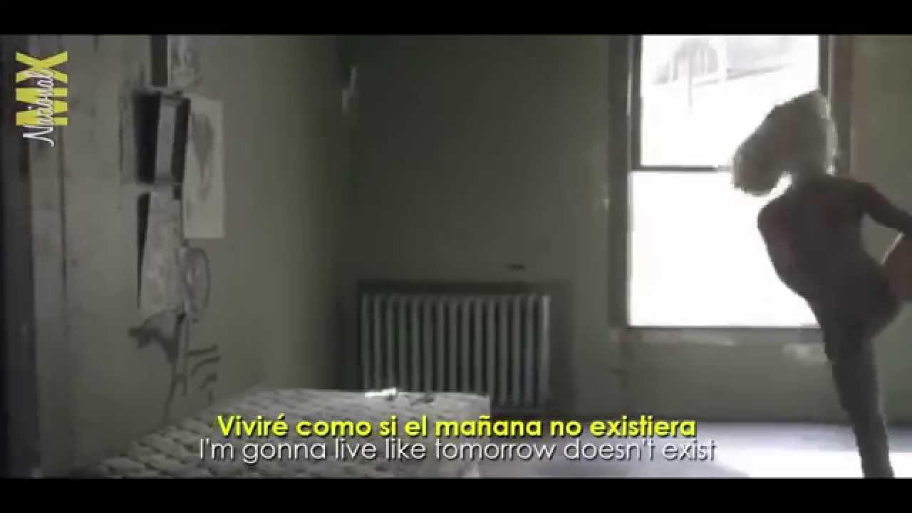 Sia - Chandelier _ Official Video Lyrics _ (Sub al Español) - YouTube