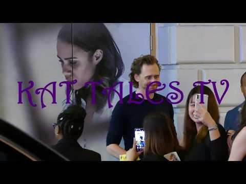 fun-outside-tom-hiddleston's-betrayal-on-broadway-#tomhiddleston