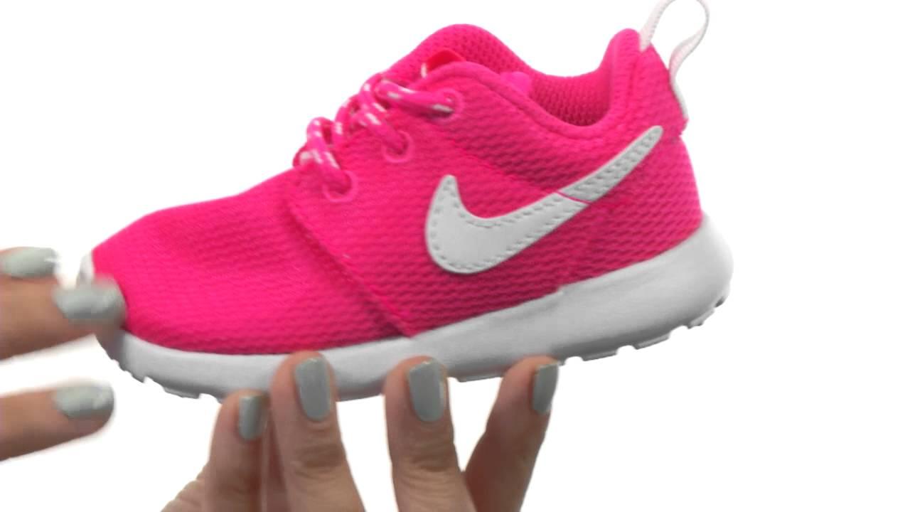 efe1cce9fc6ca Nike Kids Nike Rosherun (Toddler Little Kid) SKU  8346785 - YouTube