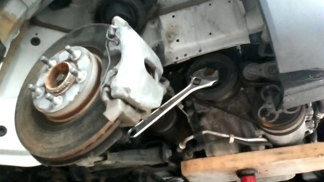 Volvo S40 Removing Harmonic Balancer - YouTube
