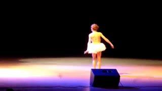 Ева Котова Танец маленького лебедя «Арена Томск» Гала-Концерт 13 декабря 2015г. БКЗ
