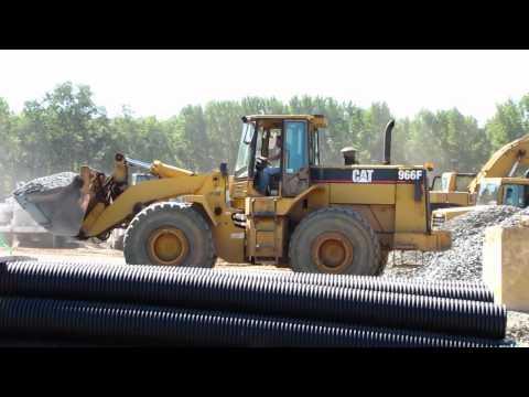 Cat 966F wheel loader working [HD]