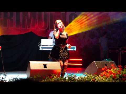 Adela Popescu Feat DJ Project Lacrimi De Iubire Live La Sannicolau Mare 08.09.2012.avi