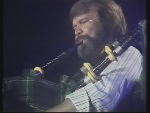 Glen Campbell Live in Dublin (May 1981) - Amazing Grace