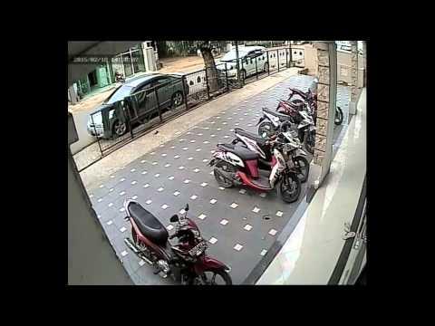 maling motor di kantor OPPO Sales Jakarta Timur