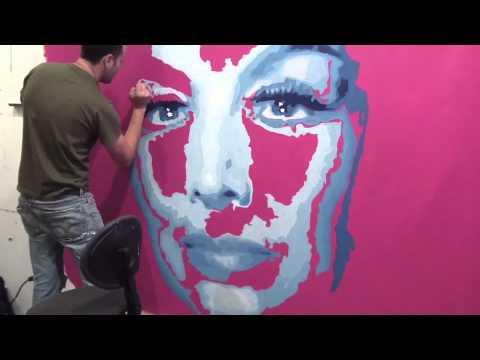 Artist Jeremy Penn paints Maria Felix