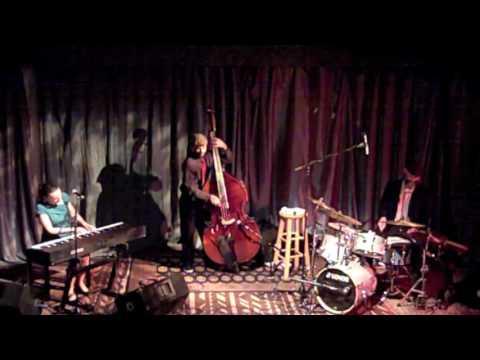 Heather Pierson Jazz Trio - O Tannenbaum