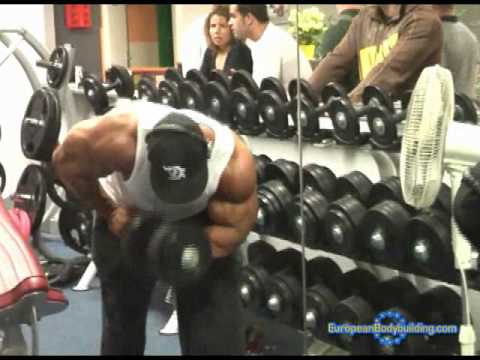 Phil Heath and Robert Burneika Arms workout in France
