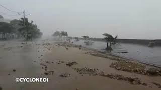 Bord de Majunga à Madagascar ravagé par la mer