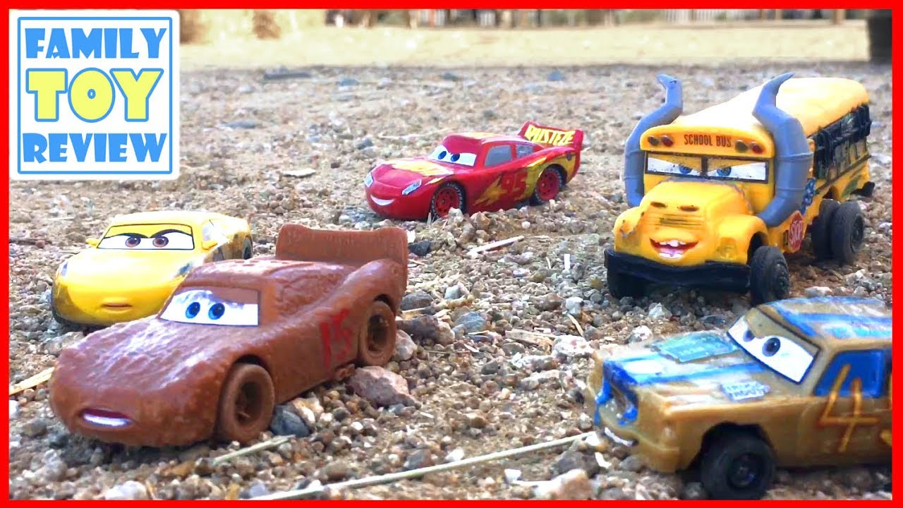 Disney cars 3 toys lightning mcqueen escapes miss fritter thunder hollow demo derby crash mayhem - Coloriage cars 3 thunder hollow ...
