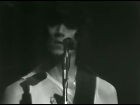 The Ramones - Gimme Gimme Shock Treatment - 12/28/1978 - Winterland (Official)