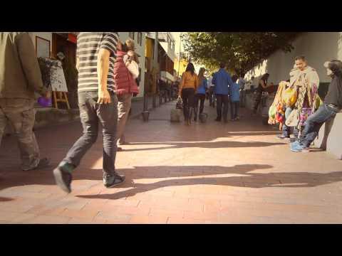 #8626,-personas-caminando-por-una-calle-[efecto],-calles-de-la-ciudad