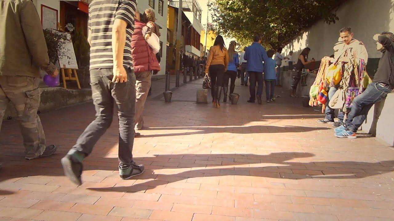 #8626, Personas Caminando Por Una Calle [Efecto], Calles