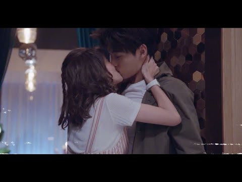 [Lucky's First Love] Bai Lu And Xing Zhao Lin Kisses