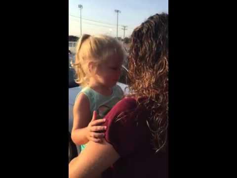 Mom and daughter Cake CelebrateKaynak: YouTube · Süre: 3 dakika59 saniye