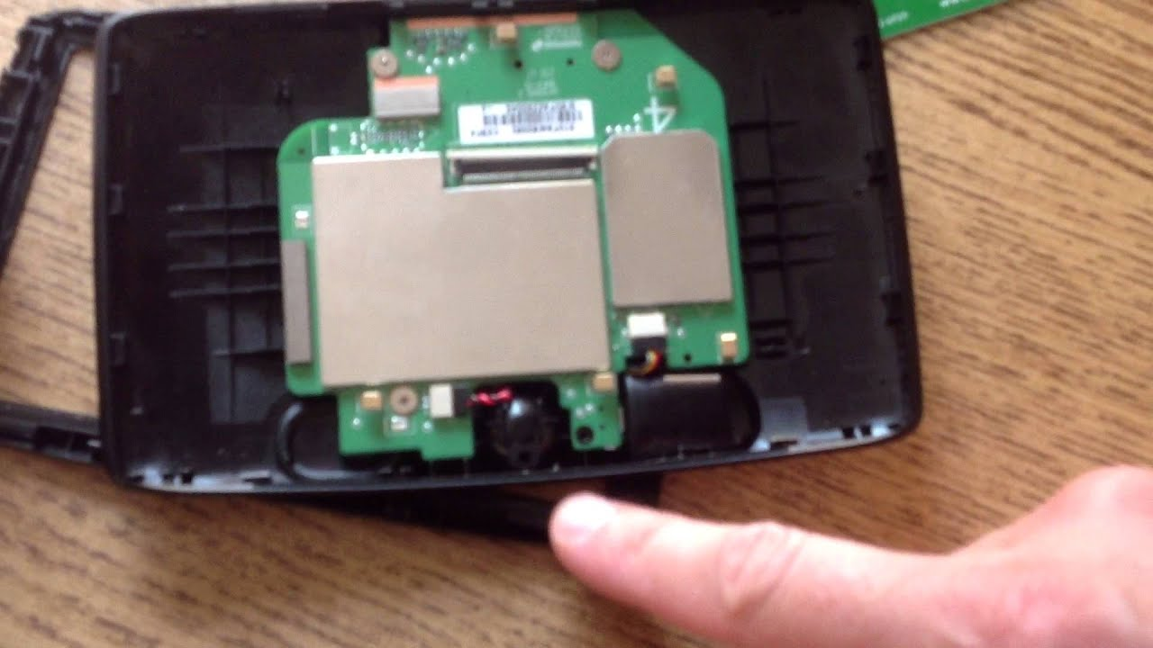 6 inch TomTom Start 60 Europe GPS disassembly and screen removed