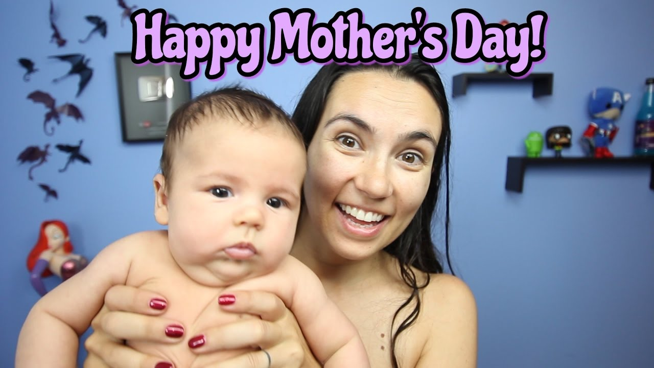 mother and dau naked