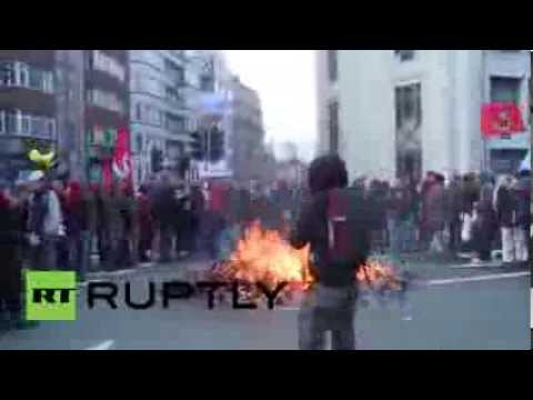 Belgium: Protesters start fire next to EU summit