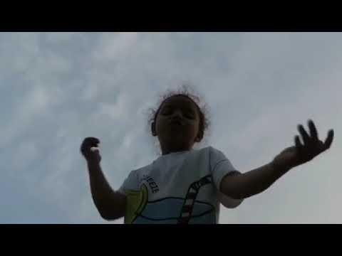 Lorena Passacantando Cantando Rap - Emicida - Levanta E Anda (feat:Rael)