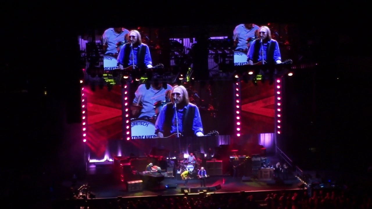 tom petty refugee aac dallas tx apr 2017 youtube. Black Bedroom Furniture Sets. Home Design Ideas