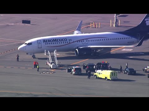 Flight From Mexico To SF Diverted To Oakland, On Tarmac For Hours
