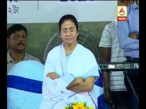 CM Mamata Banerjee visits ailing Buddhadeb Bhattacharjee at his house