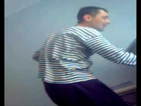 Колян танцует лучше всех