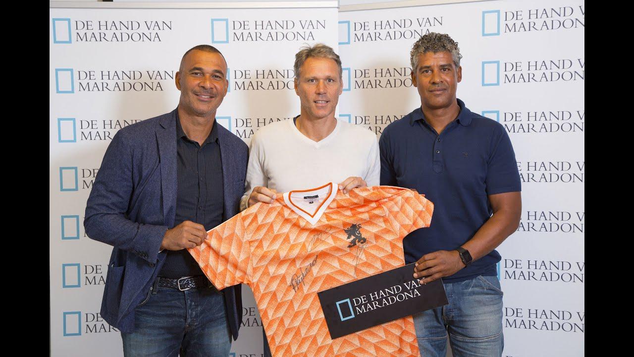 Signeersessie met Marco van Basten Frank Rijkaard en Ruud Gullit