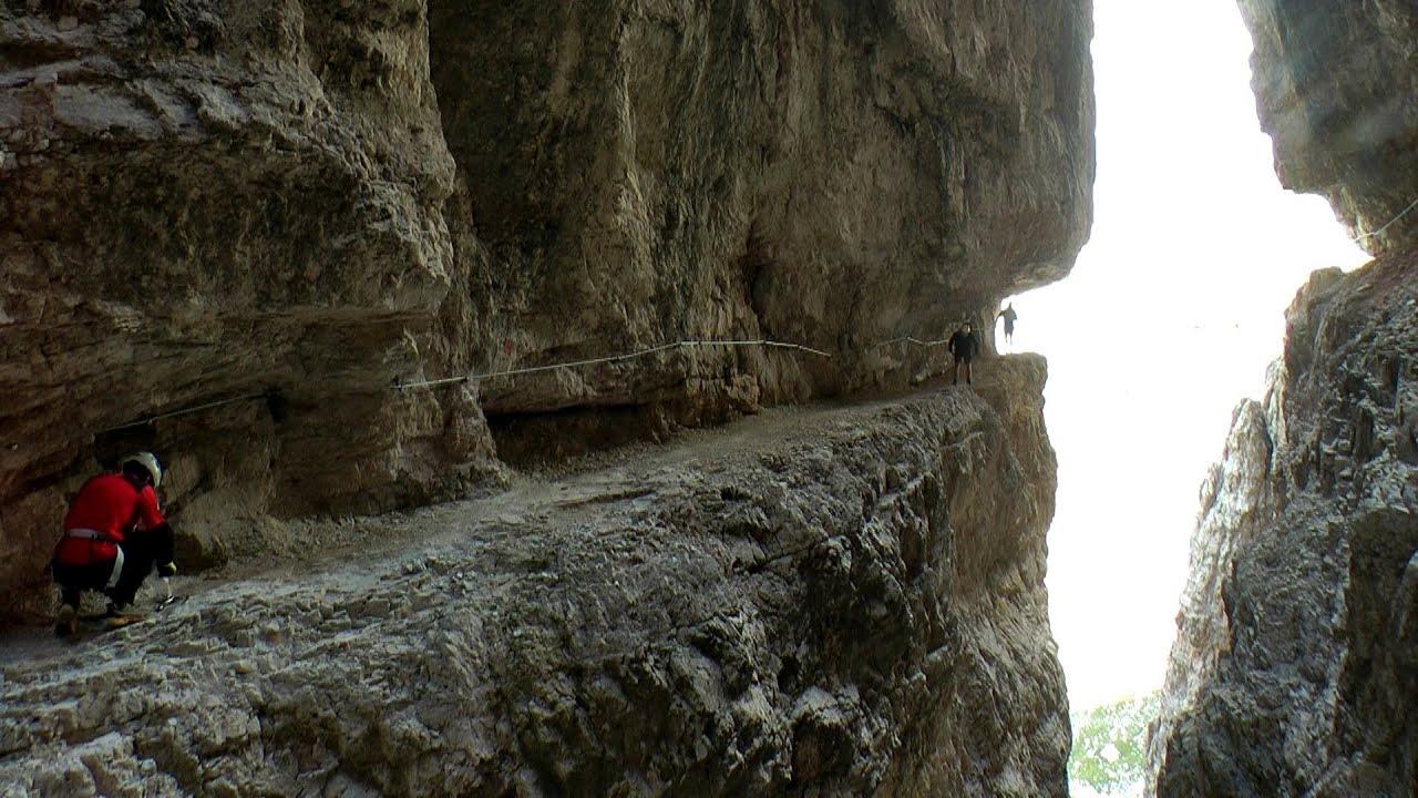 Klettersteig Dolomiten : Alpinisteig sextener dolomiten berühmtes schattenmotiv