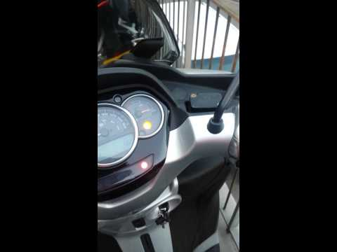 Piaggio MP3 300 Yourban - Tilt Lock Red Light On & Bike Sputtering as touch throttle