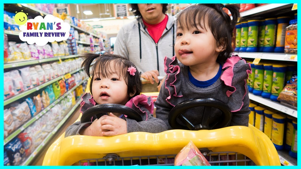 Emma and Kate Pick our Grocery Shopping!!! Healthy or not with Ryan Kid Size Shopping Cart!!!