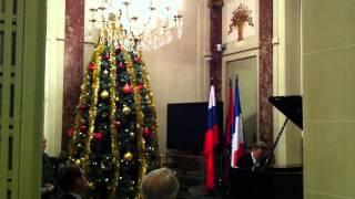 Paris 2015    Новый год по-французски !(В этом видео вы сможете поприсутствовать со мной на новогоднем вечере в культурном российском центре в..., 2015-01-17T15:37:18.000Z)