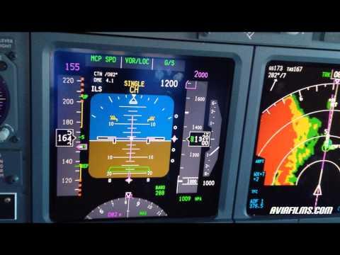 Boeing 737 cockpit instrument approach landing