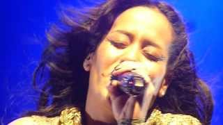 Download Amel Bent @ L'Olympia - Ma chance. MP3 song and Music Video