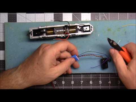 Digitrax SDXH166D decoder install