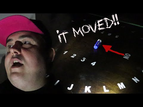 Ghost Hunt | Ghost Moves Item On Camera!